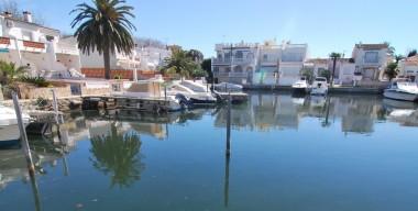 private-mooring-for-a-motorboat-7-x-3m-in-port-llobregat-empuriabrava-gerone