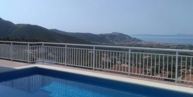 very-nice-villa-sunny-with-breathtaking-view-on-the-bay-of-rosas-costa-brava