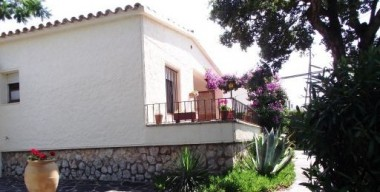 single-storey-house-on-a-plot-of-350m2-with-2-bedrooms-mas-fumats-roses-costa-brava