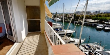Image nice-loft-of-40m2-a-terrace-of-7m2-south-facing-with-a-clear-view-to-the-port-caballito-empuriabrava-costa-brava