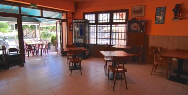leasehold-restaurant-bar-50-meters-from-the-beach-of-santa-margarida-roses-bay-spain