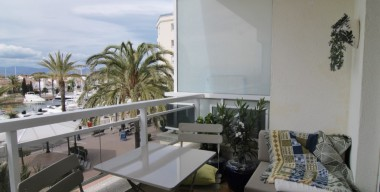 Image nice-apartment-renovated-modern-near-the-center-and-the-beach-at-the-port-of-empuriabrava-costa-brava