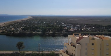 Image pleasant-little-apartment-in-front-of-the-aiguamolls-lateral-sea-view-50-m-from-the-beach-of-empuriabrava-north-costa-brava