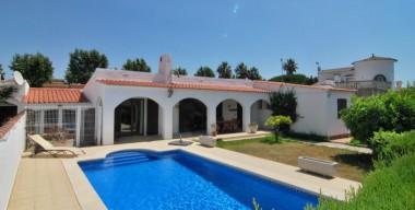 beautiful-villa-on-large-plot-4-bedrooms-3-bathrooms-swimming-pool-garage-and-separate-studio-empuriabrava