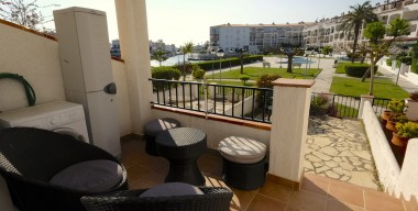 apartment-completely-renovated-with-private-parking-and-garage-possibility-of-mooring-view-of-the-lake-of-empuriabrava-catalonia