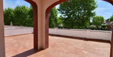 Image apartment-with-a-large-sunny-terrace-of-65m2-in-the-center-and-close-to-the-sea-in-empuriabrava-2-bedrooms-1-bathroom