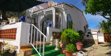 detached-house-near-the-center-with-3-bedrooms-and-garage-empuriabrava-costa-brava