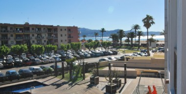 Image studio-alcove-with-bunk-beds-and-good-location-close-to-the-beach-and-shops-empuriabrava-costa-brava