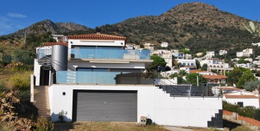 modern-villa-with-sea-view-on-the-bay-of-rosas-at-the-cap-de-creus-natural-park-costa-brava