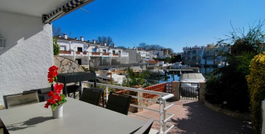 beautiful-spacious-fishermans-house-of-93m2-with-beautiful-view-3-bedrooms-mooring-of-8m-port-llobregat