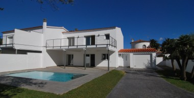 modern-house-with-pool-and-garden-near-the-port-alberes-peni-and-shops-in-empuriabrava