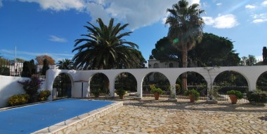 superb-villa-in-traditional-spanish-style-on-al-large-plot-with-2-moorings-in-empuria-brava-catalunya