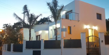 Image beautiful-modern-house-with-pool-and-sea-view-mas-fumats-roses-costa-brava
