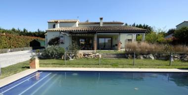 splendid-4-bedroom-villa-with-garden-swimming-pool-and-garage-in-the-golf-de-peralada-costa-brava