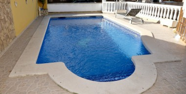 Image high-quality-residential-house-year-2000-4-bedrooms-3-bathrooms-swimming-pool-and-garage-empuriabrava-costa-brava