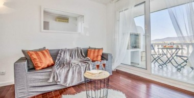 renovated-apartment-with-2-doubles-bedrooms-and-a-beautiful-view-of-the-canal-and-the-mountains-empuriabrava-catalonia
