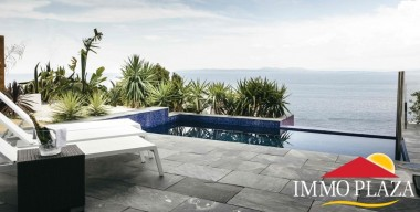 superbe-villa-in-second-sea-line-near-the-beach-with-extraordinary-views-over-the-bay-of-roses