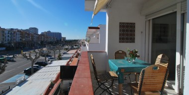 reserved-flat-of-79-m2-renovated-in-2002-with-terrace-in-the-center-of-empuriabrava-costa-brava