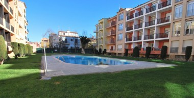 apartment-2-mns-walk-from-the-beach-with-community-swimming-pools-terrace-empuriabrava-catalonia