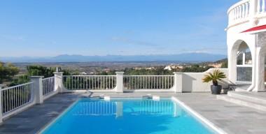 stunning-villa-with-4-5-bedrooms-swimming-pool-and-panoramic-views-palau-saverdera-costa-brava