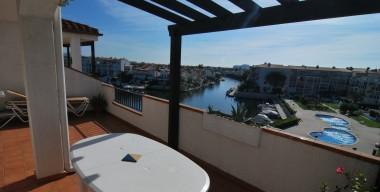 Image beautiful-apartment-with-stunning-view-of-lake-san-maurici-empuriabrava-southern-exposure