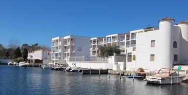 Image apartament-acollidor-en-planta-baixa-dormitori-gran-piscina-comunitaria-empuriabrava
