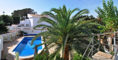 spacious-villa-with-heated-pool-and-mooring-for-motor-boat-near-the-beach-la-rubina-in-ampuriabrava
