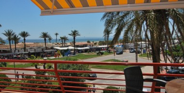 reserved-apartment-in-1st-line-of-sea-with-a-large-terrace-overlooking-the-sea-with-storage-in-the-center-of-empuriabrava-costa-brava