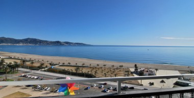 Image very-nice-and-bright-studio-cabin-with-spectacular-views-of-the-bay-of-roses-empuriabrava