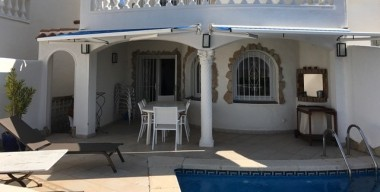 Image superb-villa-on-the-main-canal-with-4-bedrooms-swimming-pool-mooring-and-garage-in-empuriabrava-costa-brava
