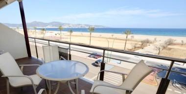Image modern-penthouse-with-splendid-sea-view-3-bedrooms-2-bathrooms-garage-empuriabrava-costa-brava