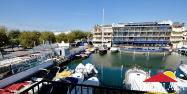 Image large-house-in-2nd-line-of-sea-with-mooring-of-20x6mtr-for-sailboat-sector-salins-center-empuriabrava