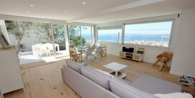 Image luxury-modern-villa-2018-with-jacuzzi-garage-only-1-minute-from-the-center-rosas-costa-brava