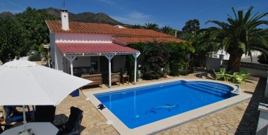 typical-spanish-villa-with-pool-sunny-and-beautifully-situated-in-mas-bosca-rosas-catalonia