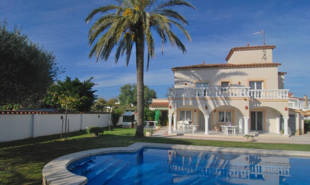 Immo Plaza Spain | Wunderschöne Villa mit 5 Schlafzimmern, ein ...
