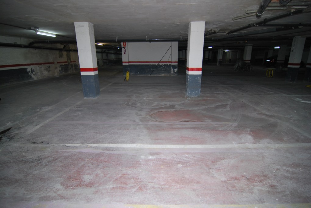 Immo plaza spain parking dans garage souterrain s curis for Garage souterrain ascenseur