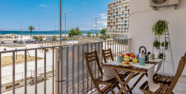 Image seafront-apartment-with-large-terrace-south-facing-completely-renovated-in-2018-empuriabrava-costa-brava