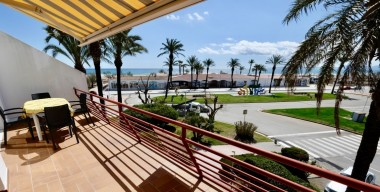 Image apartment-in-1st-line-of-sea-with-a-large-terrace-overlooking-the-sea-in-the-center-of-empuriabrava-costa-brava