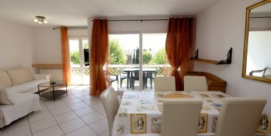 Image beautiful-flat-of-79-m2-renovated-with-terrace-in-the-center-of-empuriabrava-costa-brava-from-600