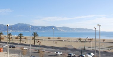 Image renovated-apartment-with-stunning-views-over-the-bay-of-rosas-empuriabrava-costa-brava