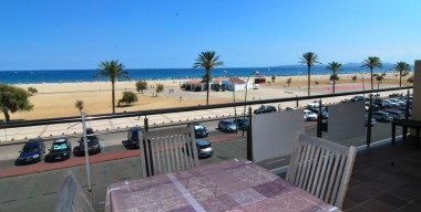 Image modern-apartment-for-rent-all-year-in-1st-line-of-the-sea-with-breathtaking-views-of-the-bay-of-roses-empuriabrava-costa-brava